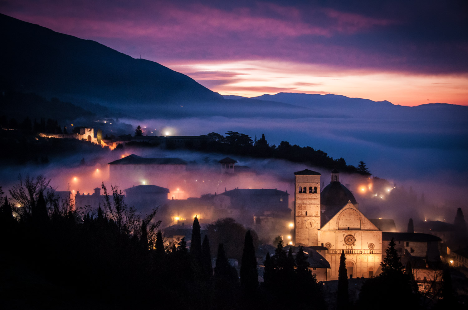 Discover the best light of the day. Assisi, Italy.