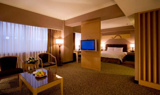 Caesar-Park-Hotel