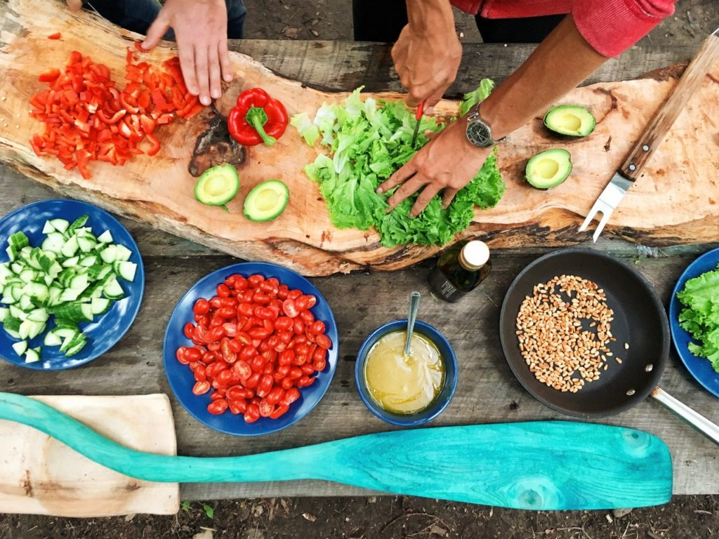 Fit Cooking into Your Digital Nomad Lifestyle
